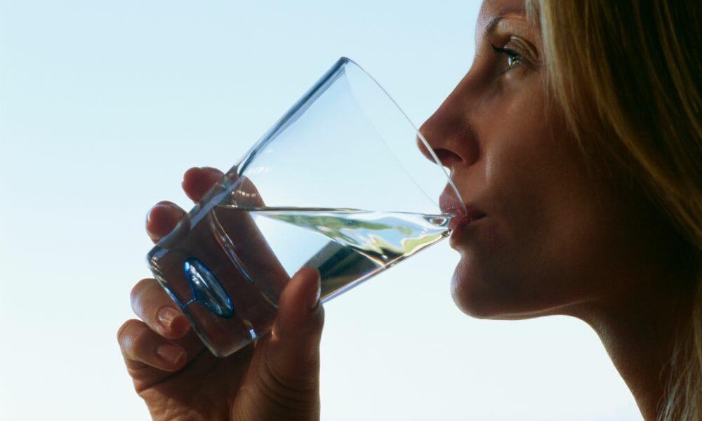 Wasserwissen | 92% aller Menschen trinken zu wenig (du auch?) – Die Wasser Qualität ist entscheidend! #233